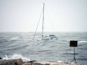 L'imbarcazione soccorsa dalla Guardia Costiera © Manuel Migliorini / Adriapress.
