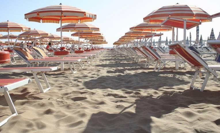 Bolkenstein. Risoluzione di Forza Italia per escludere balneari e ambulanti