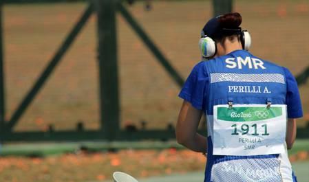 Le due sorelle del tiro a volo sammarinese, entrambe qualificate ai Giochi 2016, non riescono a sparare sui livelli abituali e dicono addio al sogno di una medaglia olimpica.