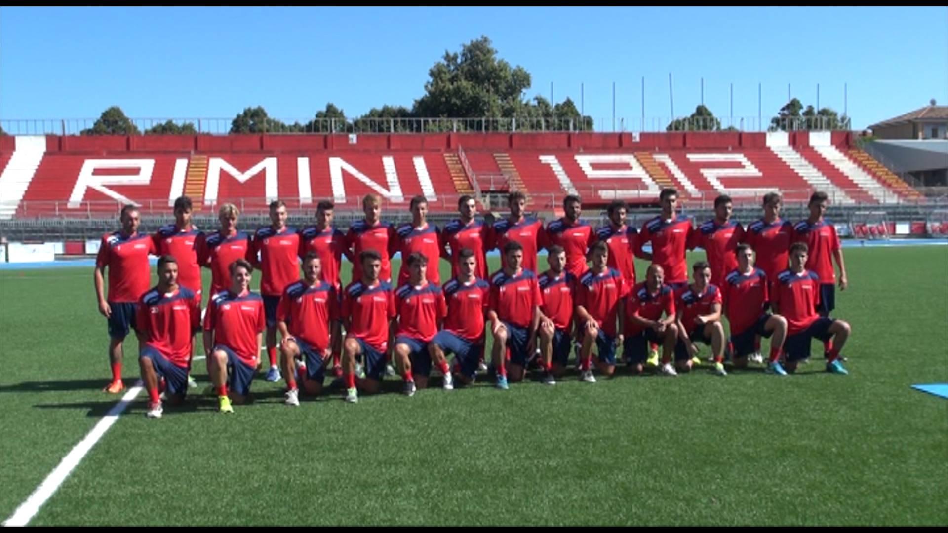 Primo allenamento del Rimini Football Club davanti a oltre cento tifosi (video)