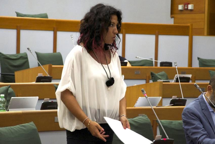 Sensoli interroga su asili Rimini: precari si potevano assumere