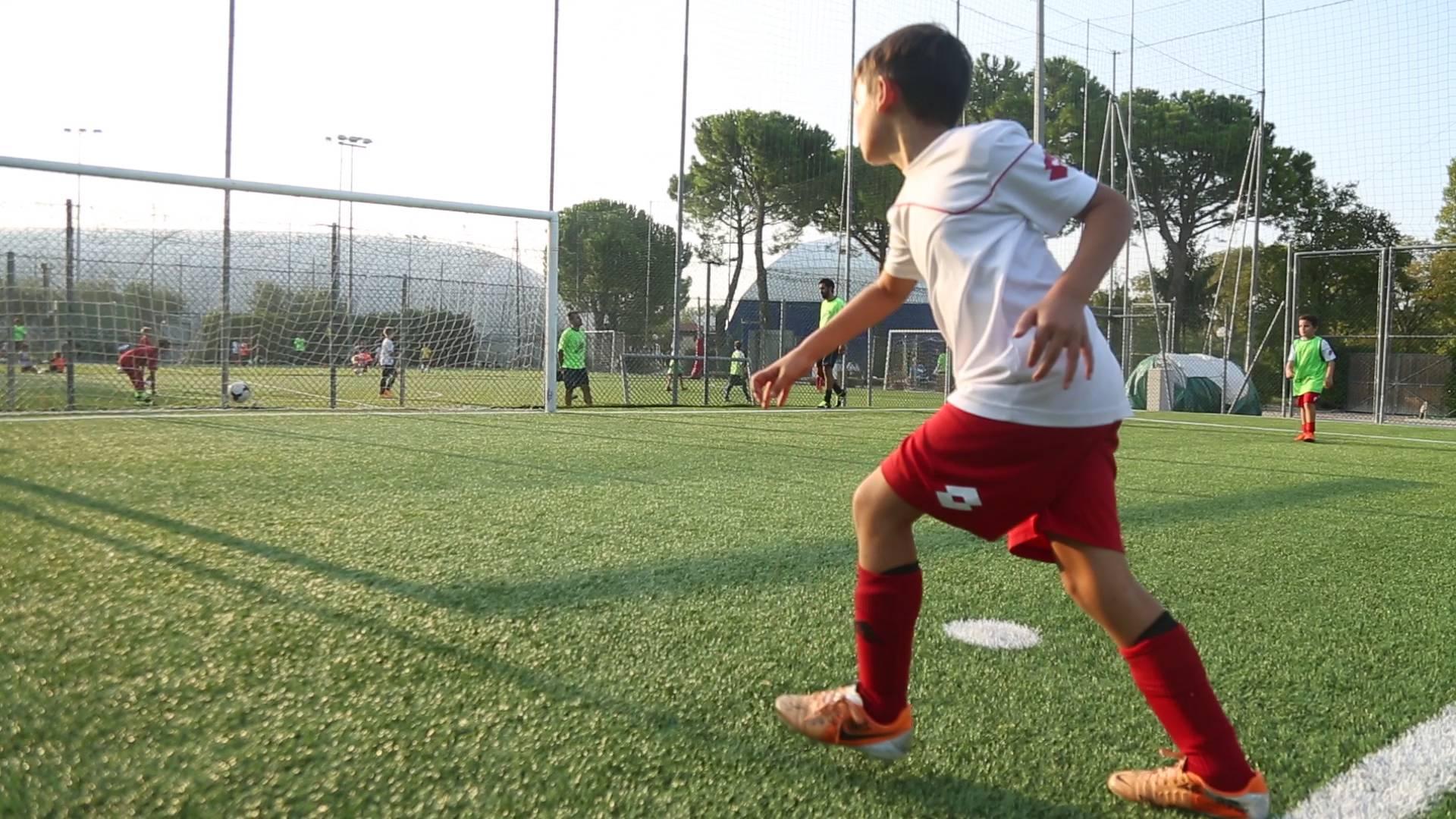 Calcio Per Bambini Rimini : Calcio passione dei bambini ma meglio due sport