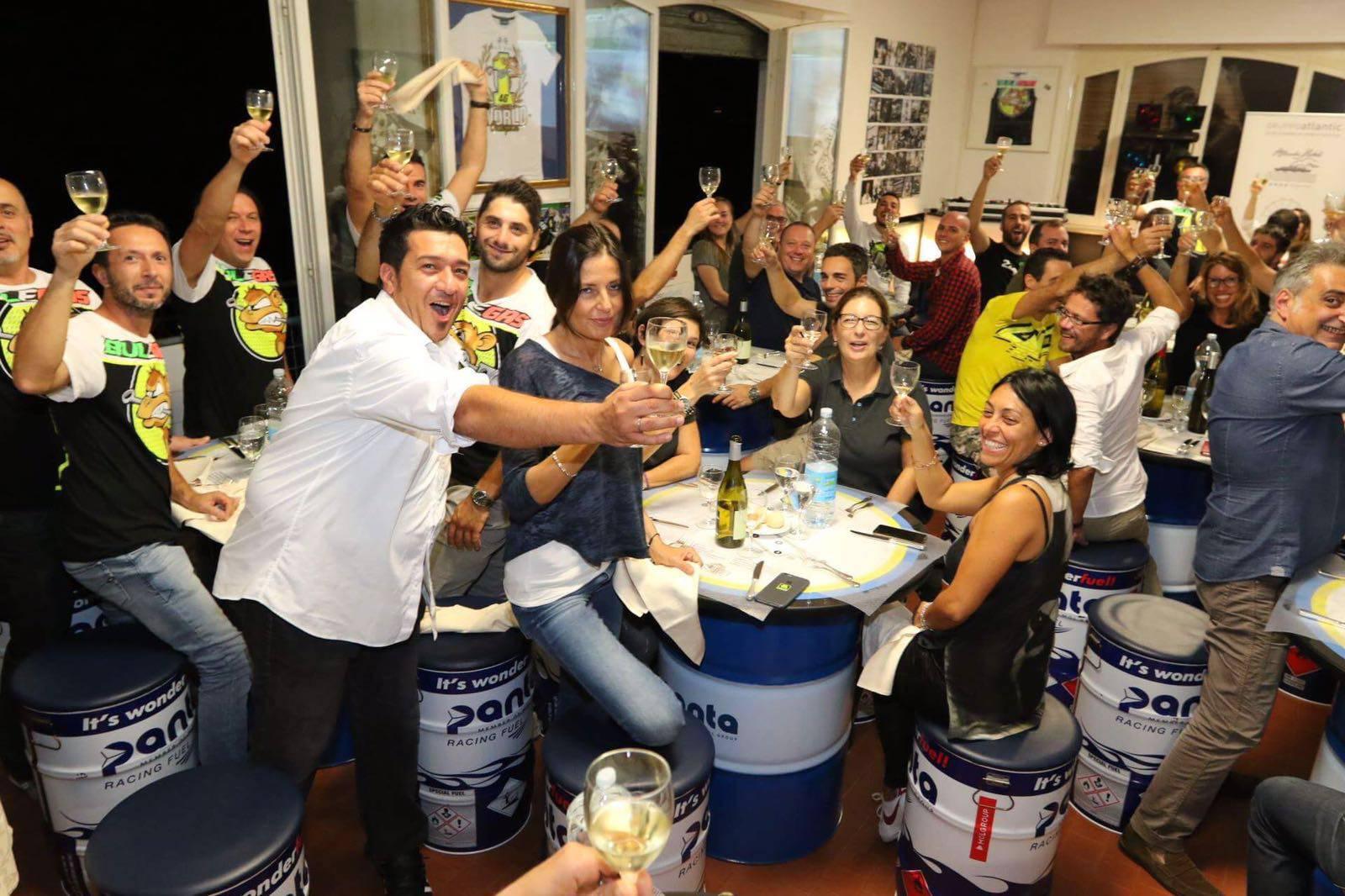 Nicolò Bulega Official Fan Club. Tante iscrizioni e la cena in sede con tutto lo staff dello Sky Team VR46