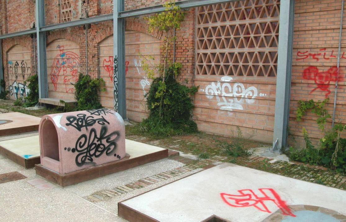 Atti vandalici all'ex Fornace, oggi sopralluogo. Servirà pulizia straordinaria