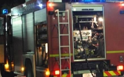 Scooter in fiamme nella notte a Riccione