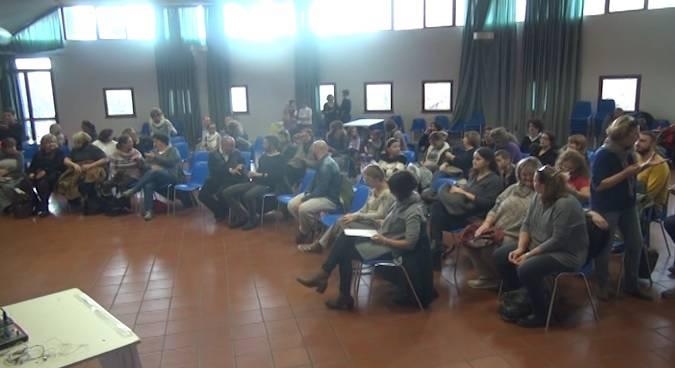 Giù le mani dalle scuole di Rimini, oggi l'assemblea. La battaglia continua