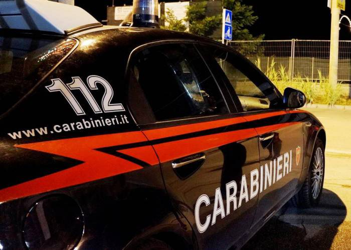 Spacciatore aggredisce i Carabinieri che lo fermano, arrestato