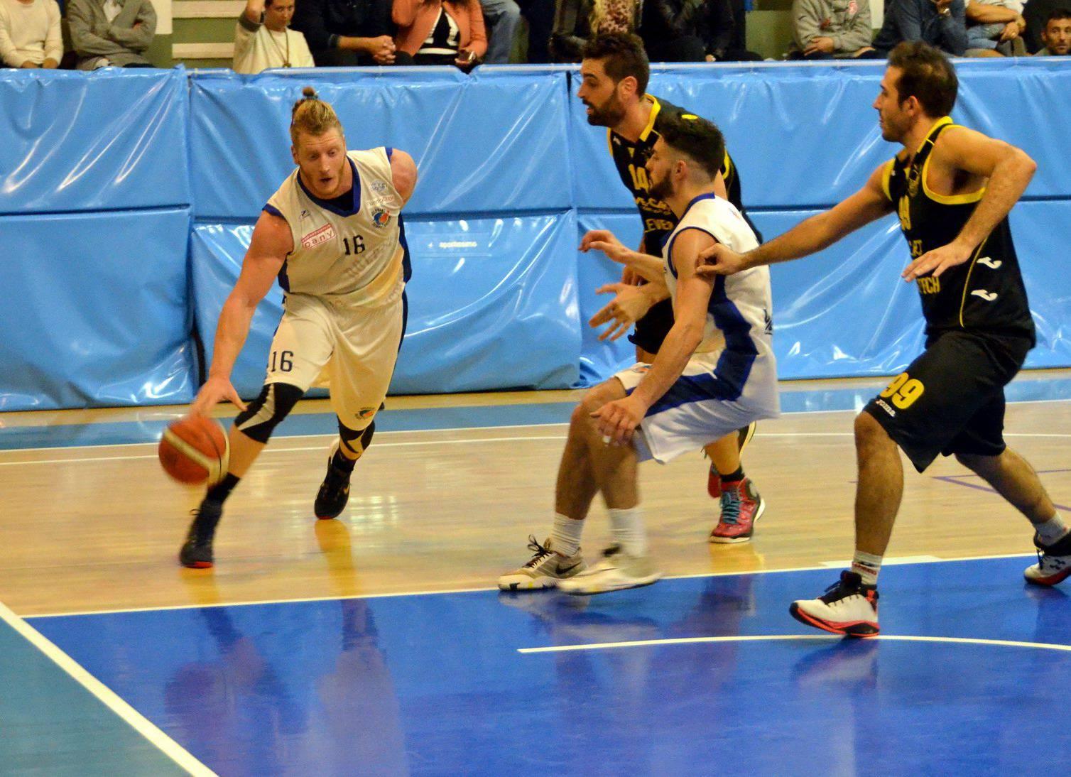 Basket C. Dani Dolphins Riccione-Guelfo Basket 60-77