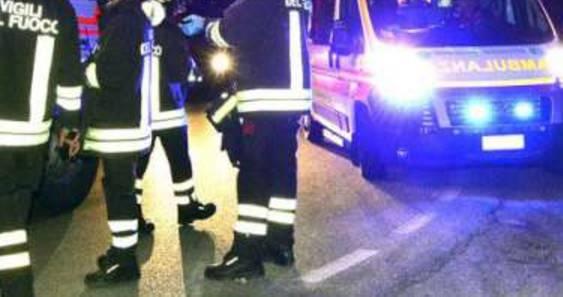 Auto incastrate dopo scontro sulla Consolare. 27enne all'Infermi