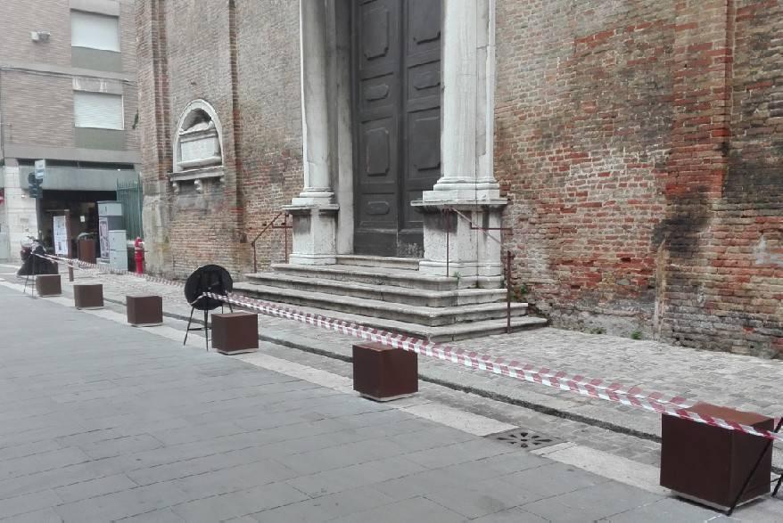 Nuovi arredi in centro, stop a parcheggio selvaggio a Sant'Agostino