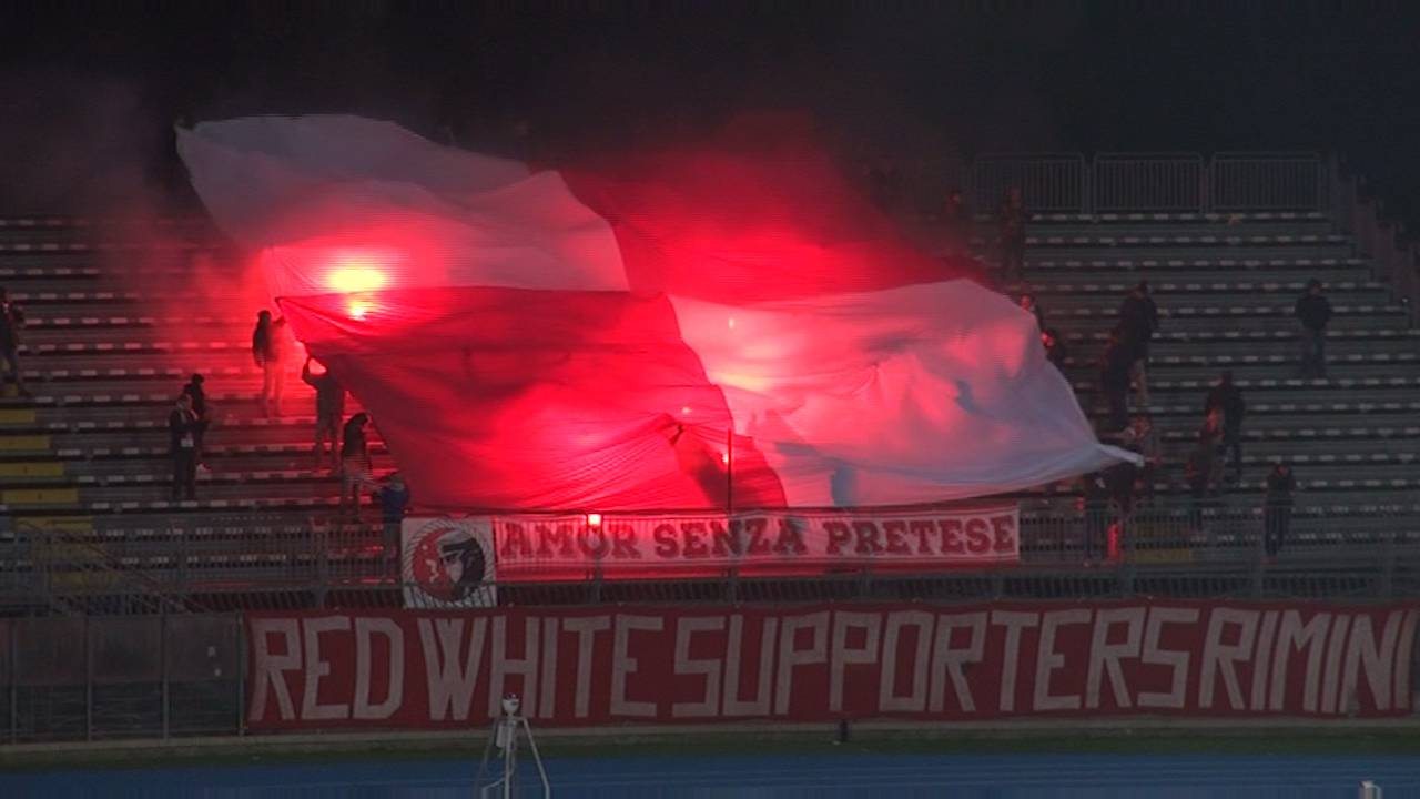 Red White Supporters