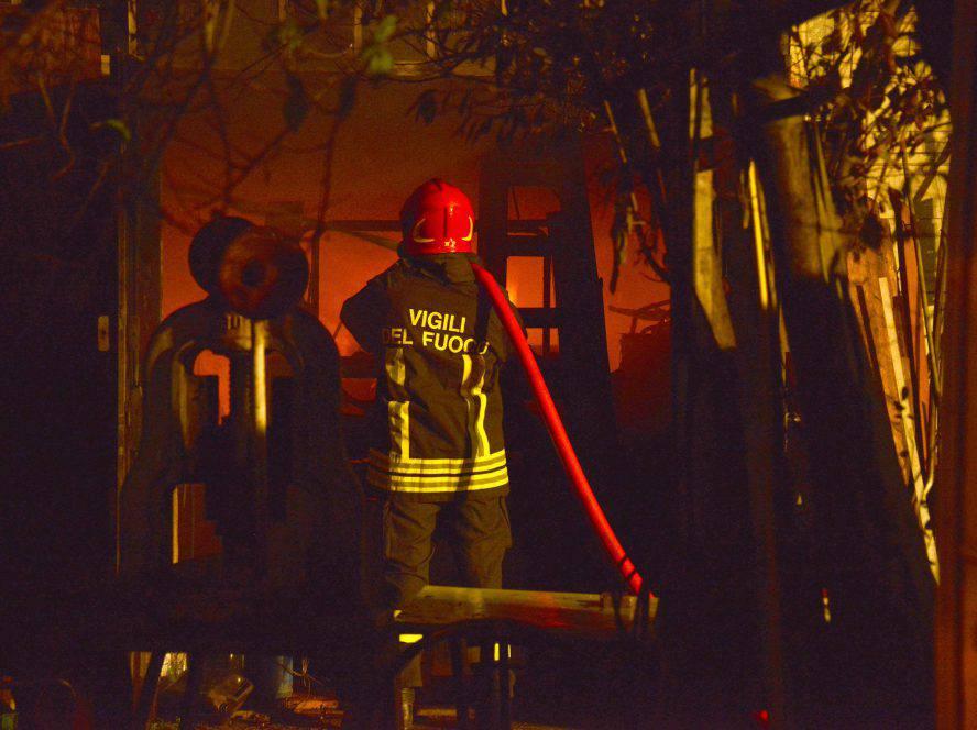 Incendio alla discoteca ex Bobo di Misano