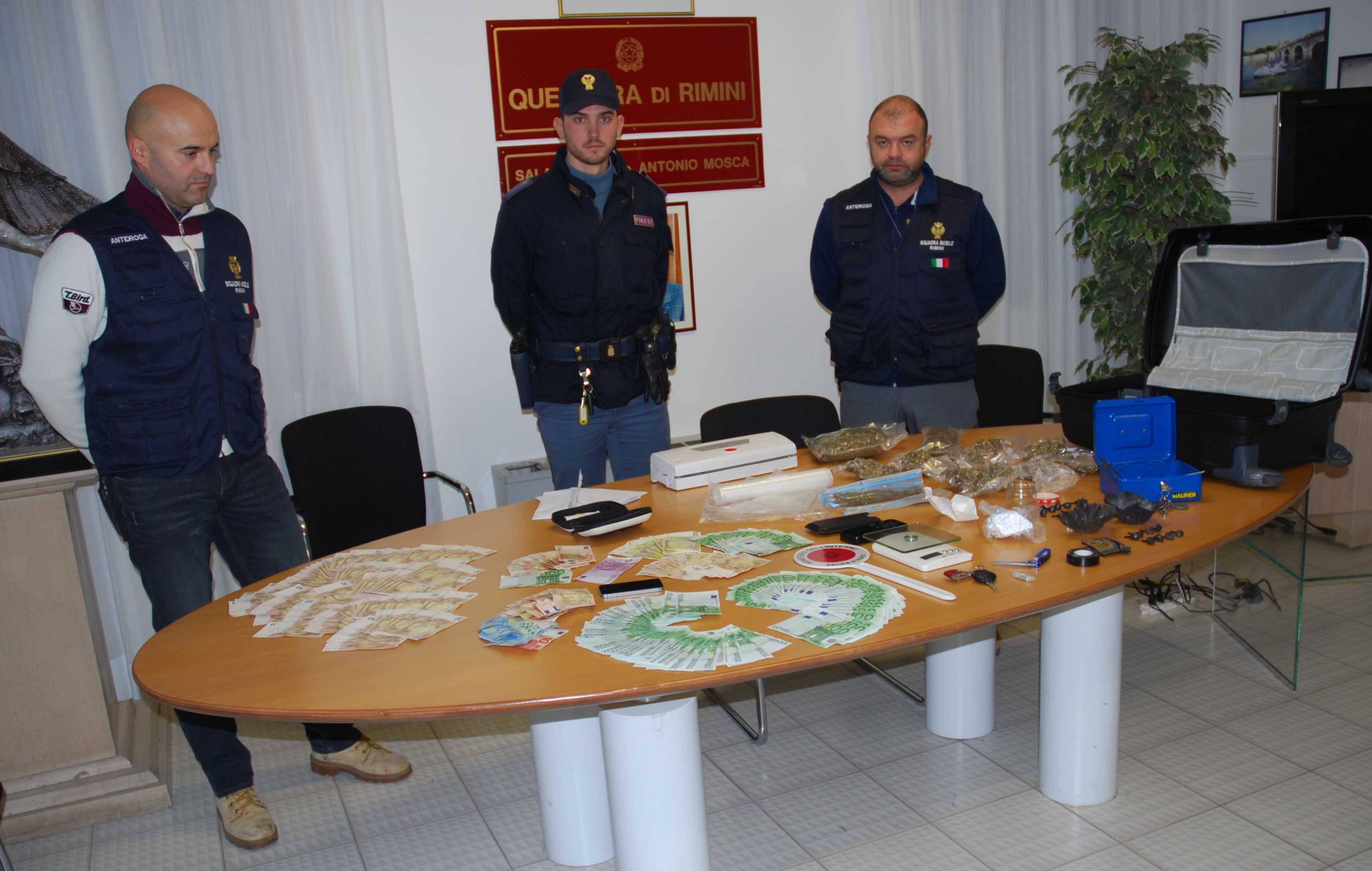 Operazione antidroga della Polizia. Un arresto, sequestrati due kg di cocaina e marijuana