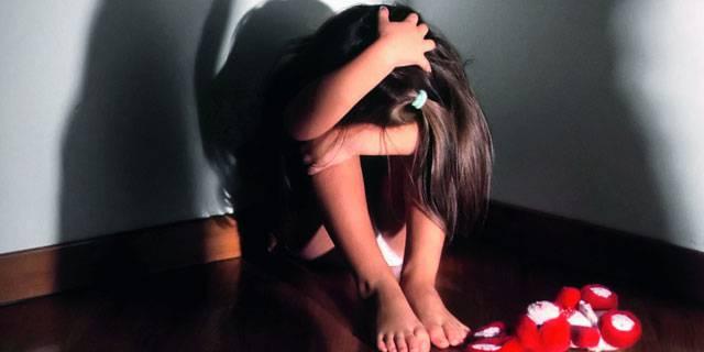 Violenza su bimba di 10 anni