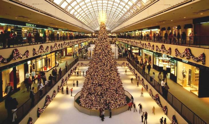 Arriva il Natale (e la pista di pattinaggio più lunga ce l'abbiamo noi)