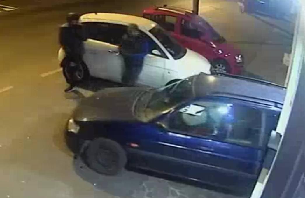 Furti con auto rubata, tre fermi della Polizia. Il video della spaccata