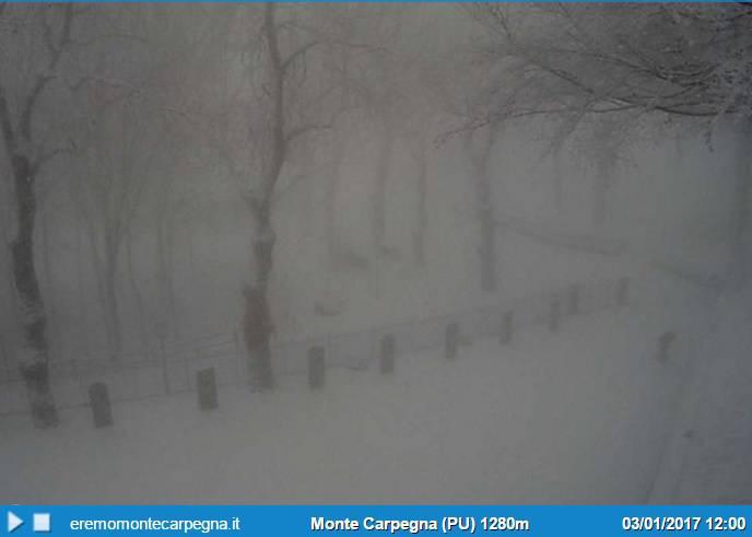 Arriva la perturbazione. Nevica in Montefeltro e Carpegna