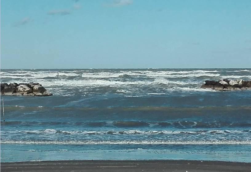 Sabato allerta per stato del mare, possibili nevicate