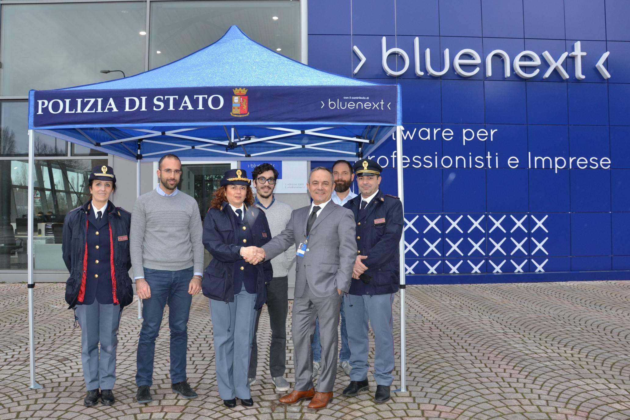 Bluenext dona gazebo alla Polizia. Servirà per progetto