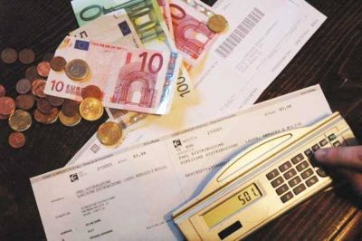 Riccione conferma contributi alle famiglie numerose e pagamento bollette dell'acqua