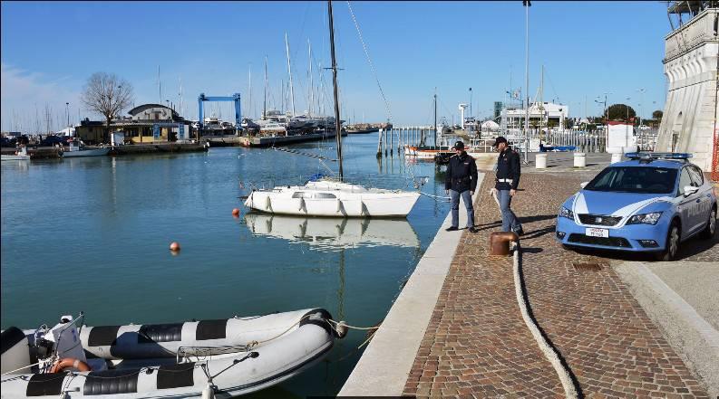 Imprenditore milanese si è buttato nel porto sotto gli occhi del cognato