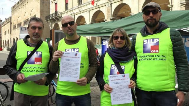 Riordino Polizia Postale, Rimini penalizzata. Silp Cgil in piazza (video)