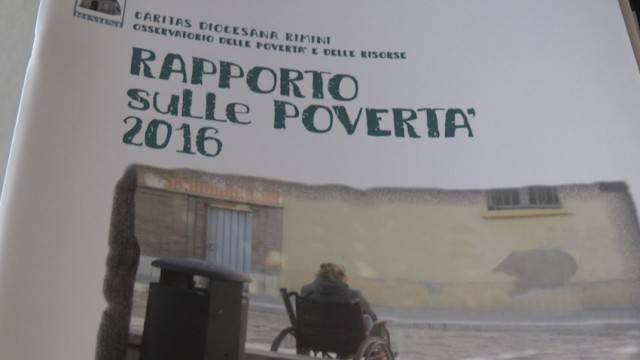 """""""Poveri, malati, soli"""". Il Rapporto Caritas sulle poverta 2016"""