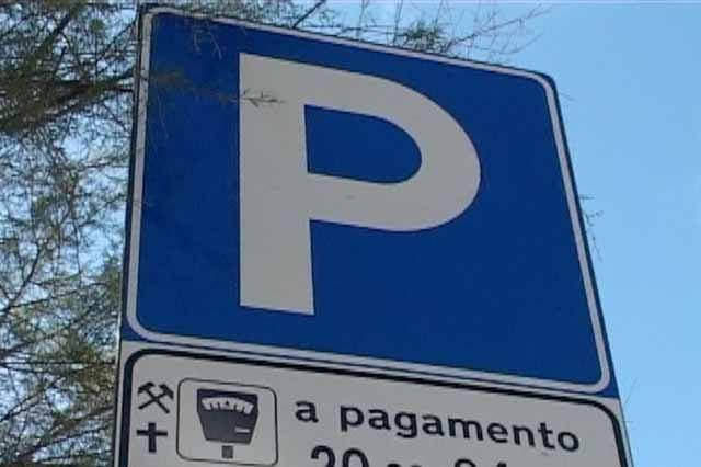 Parcheggi comunali zona mare, dal 3 aprile gli abbonamenti