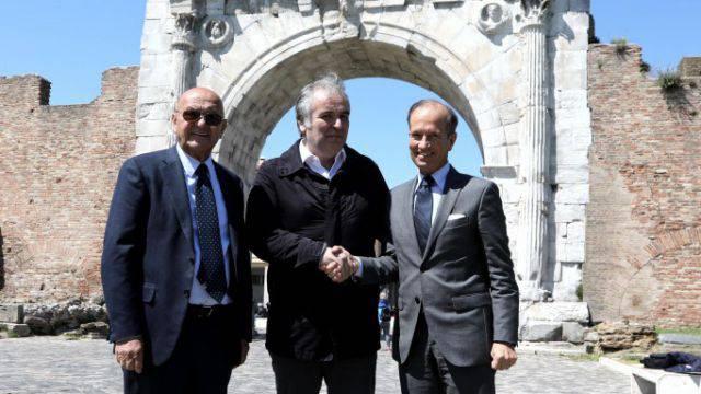 Il presidente di IEG Lorenzo Cagnoni, quello di Arezzo Fiere Andrea Boldi e il managing director IEG Corrado Facco