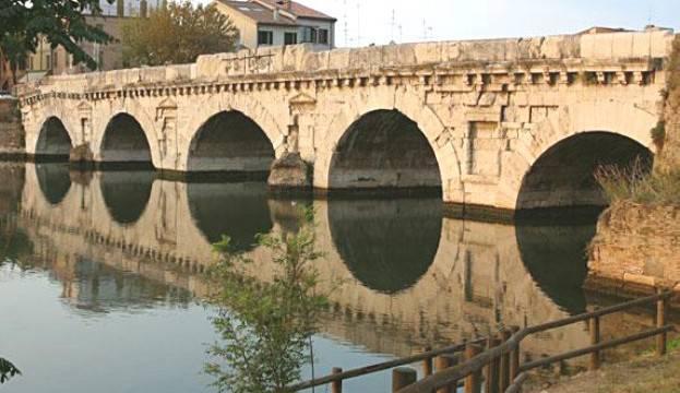 Gnassi: ponte di tiberio