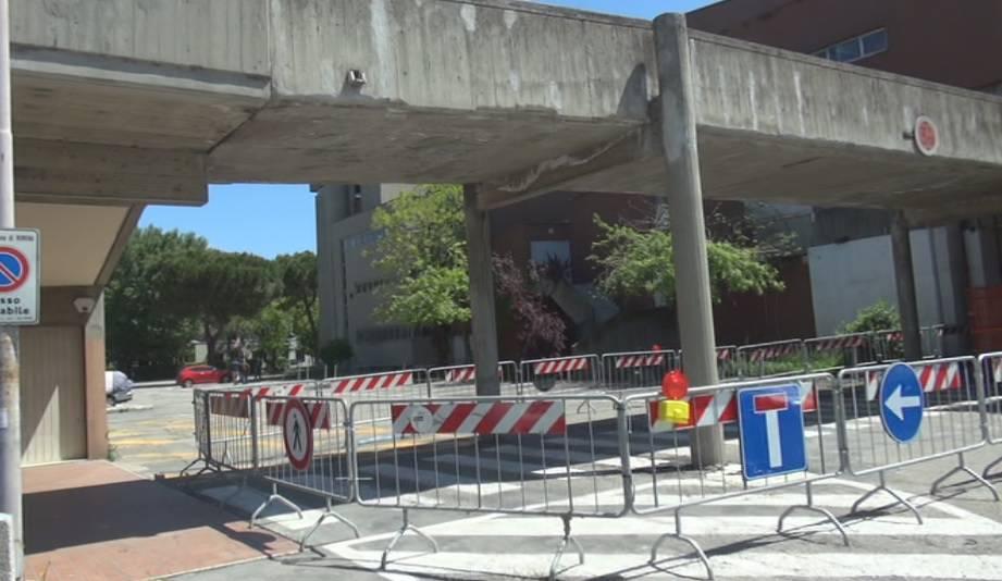 Sarà demolito il ponte pedonale zona ex Astoria. Passaggio riaperto