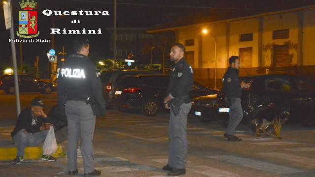 Controlli di Polizia a marina centro: un arresto