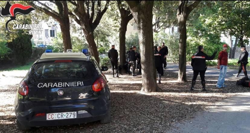 Controlli dei Carabinieri al parco Cervi