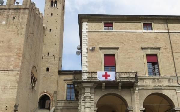 Giornata mondiale Croce Rossa: la bandiera sul Municipio