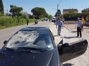 Nicky Hayden ha colpito il parabrezza dell'auto (Adriapress)