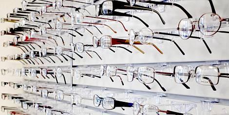 3e559abc54 Svaligiato negozio di occhiali in via Cervino. Bottino da 15mila ...