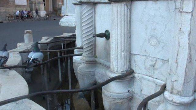 Siccità. Sospesa l'acqua alla fontana della Pigna