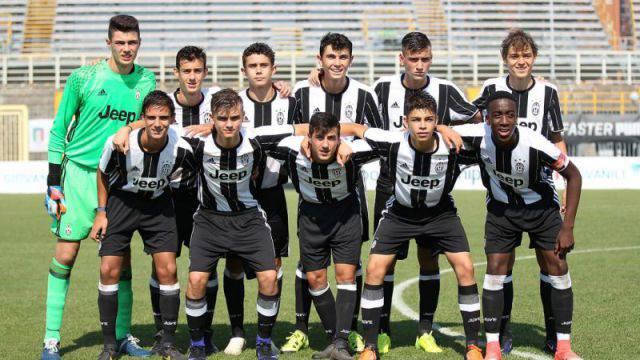 La Juventus Under 15 campione d'Italia (foto ilbianconero.com)