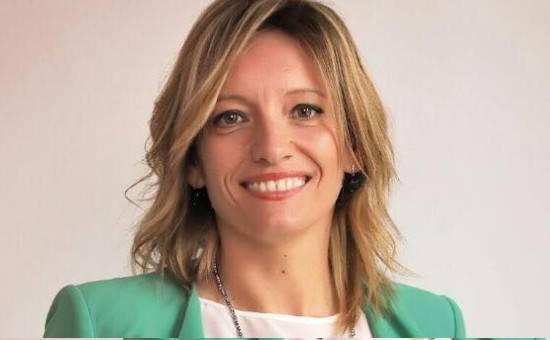 Sabrina Vescovi: ripartire da quello che unisce. Sabrina Vescovi. Subito al lavoro su piano spiaggia