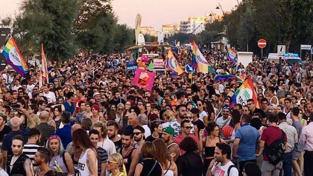 Rimini Summer Pride chiede patrocinio a Riccione. Tosi: non ci sono condizioni