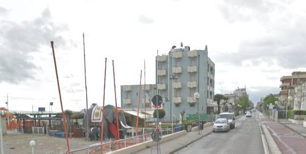 Nuove asfaltature vie Caprara e Porto Palos. Lavori di notte