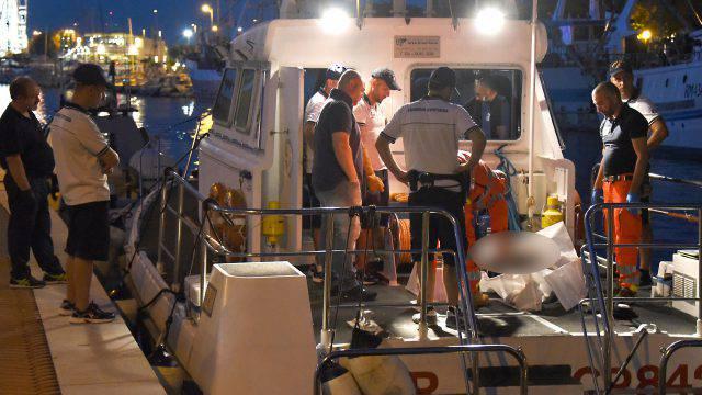 Tragico ritrovamento al largo di Bellaria: cadavere di un uomo in mare