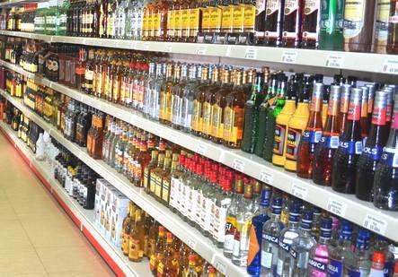 Vendita abusiva di alcol, nuove sanzioni e nuovi recidivi