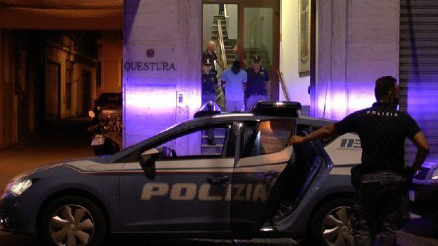 Violenza su 18enne in stazione, arrestato presunto autore