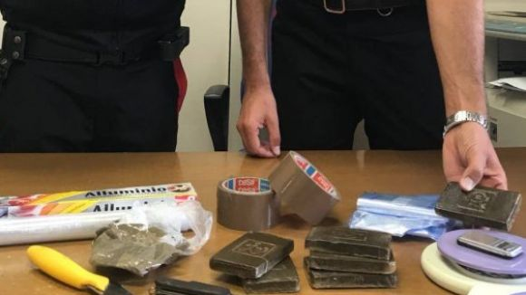 In casa 600 grammi di hashish, arrestati due fratelli