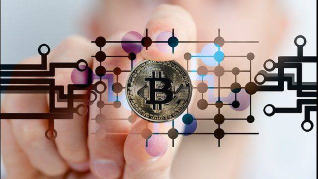 Investire oggi dove e come: investire in criptovalute conviene?