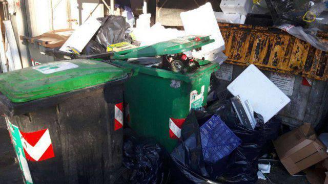 Raccolta rifiuti, Confcommercio lamenta le criticità