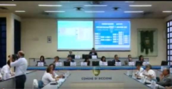 Questa sera a Riccione si riunisce il Consiglio Comunale. Diretta Radio Icaro
