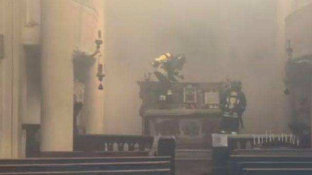 Incendio doloso a chiesa Sant'Agata. Ferito Vigile del Fuoco