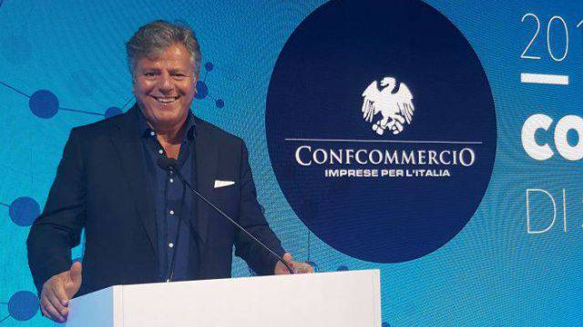 Il presidente di Confcommercio Rimini Gianni Indino interviene sul turismo studentesco extra stagionale